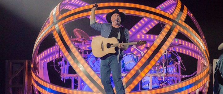 Pre-Party Garth Brooks on Saturday